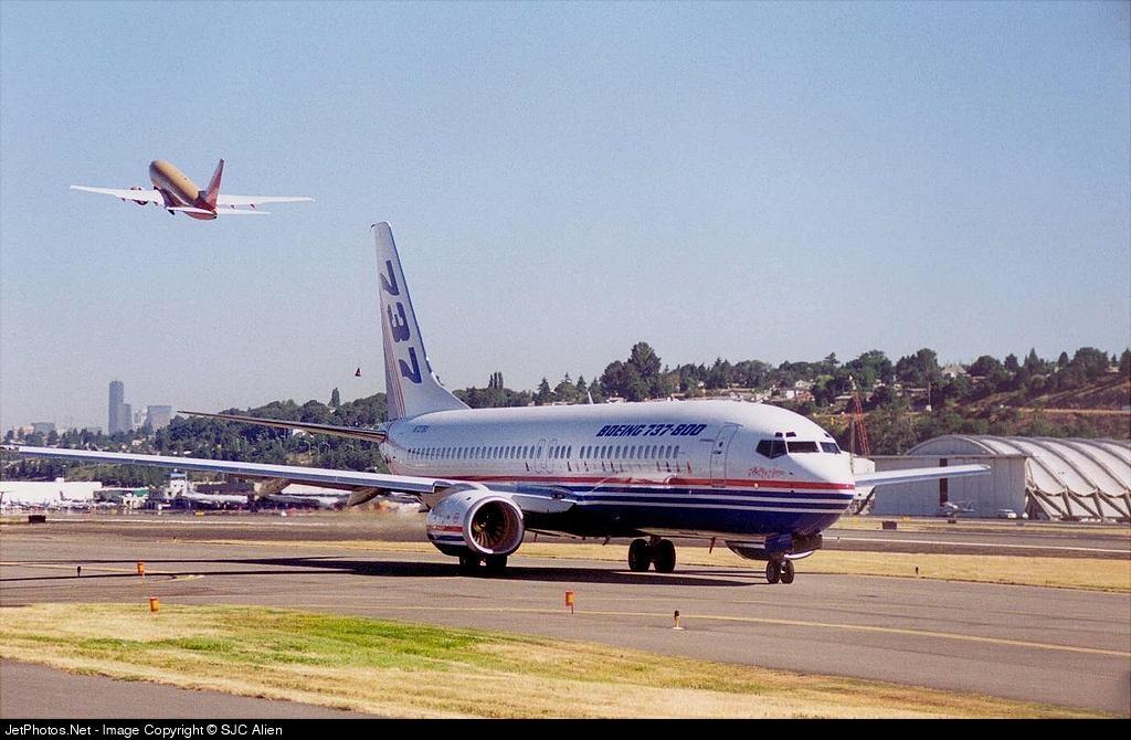 N737BX - Boeing 737-8K5 - Boeing Company