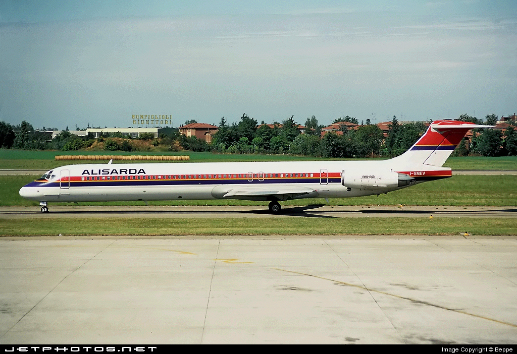 I-SMEV - McDonnell Douglas MD-82 - Alisarda