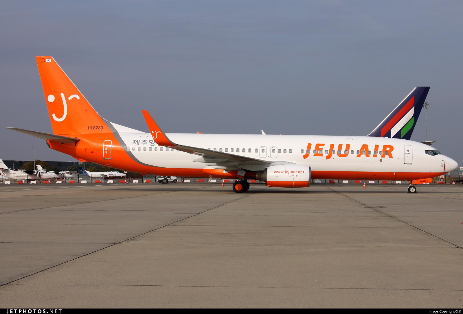 HL8233 - Boeing 737-85P - Jeju Air