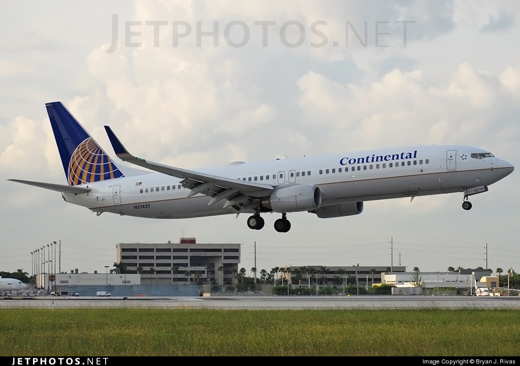 N37427 - Boeing 737-924ER - Continental Airlines