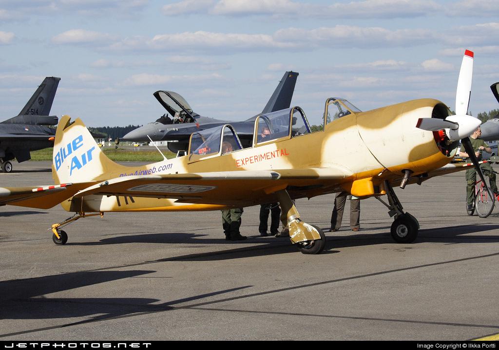 YR-UAU - Yakovlev Yak-52TW - Iacarii Acrobati