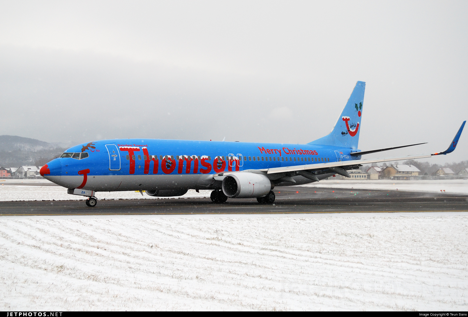 G-FDZA - Boeing 737-8K5 - Thomson Airways
