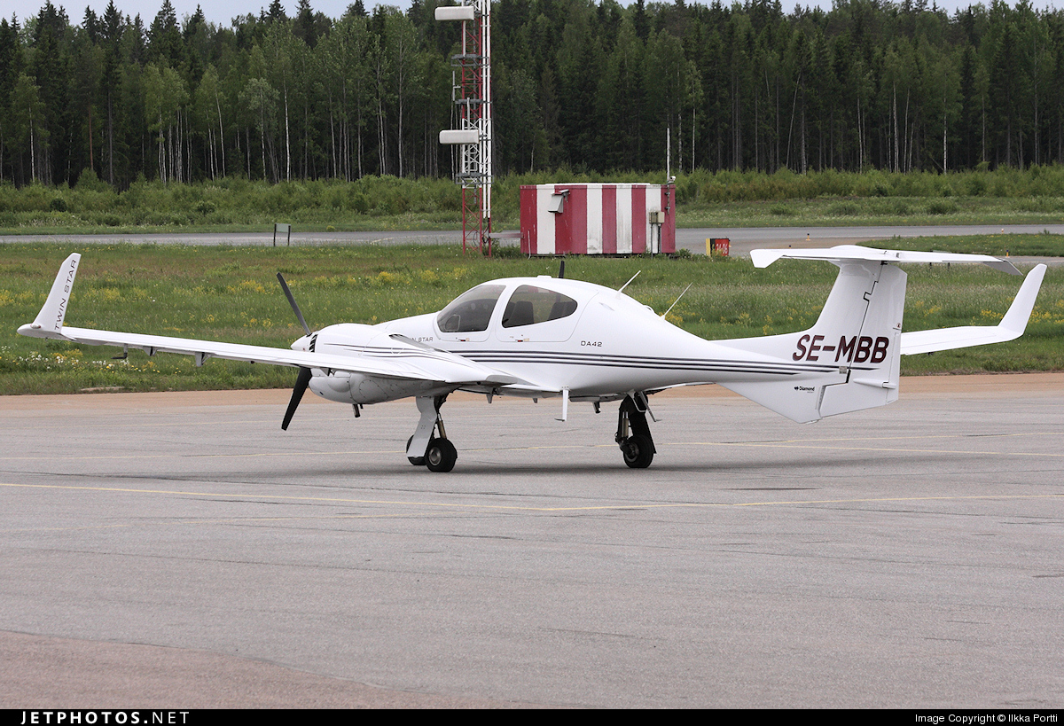 SE-MBB - Diamond DA-42 Twin Star - AB Öst-Flyg