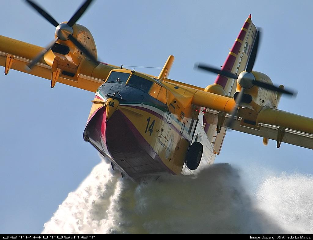 I-DPCU - Canadair CL-415 - Italy - Protezione Civile