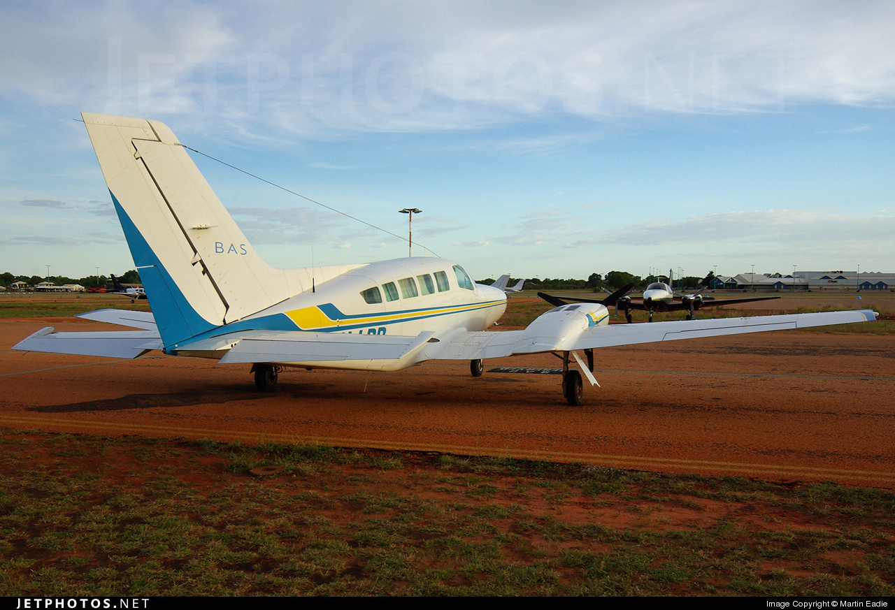 VH-LBB - Cessna 402C - Broome Air Services