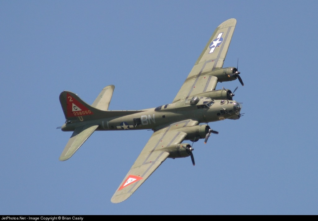 N900RW - Boeing B-17G Flying Fortress - Private