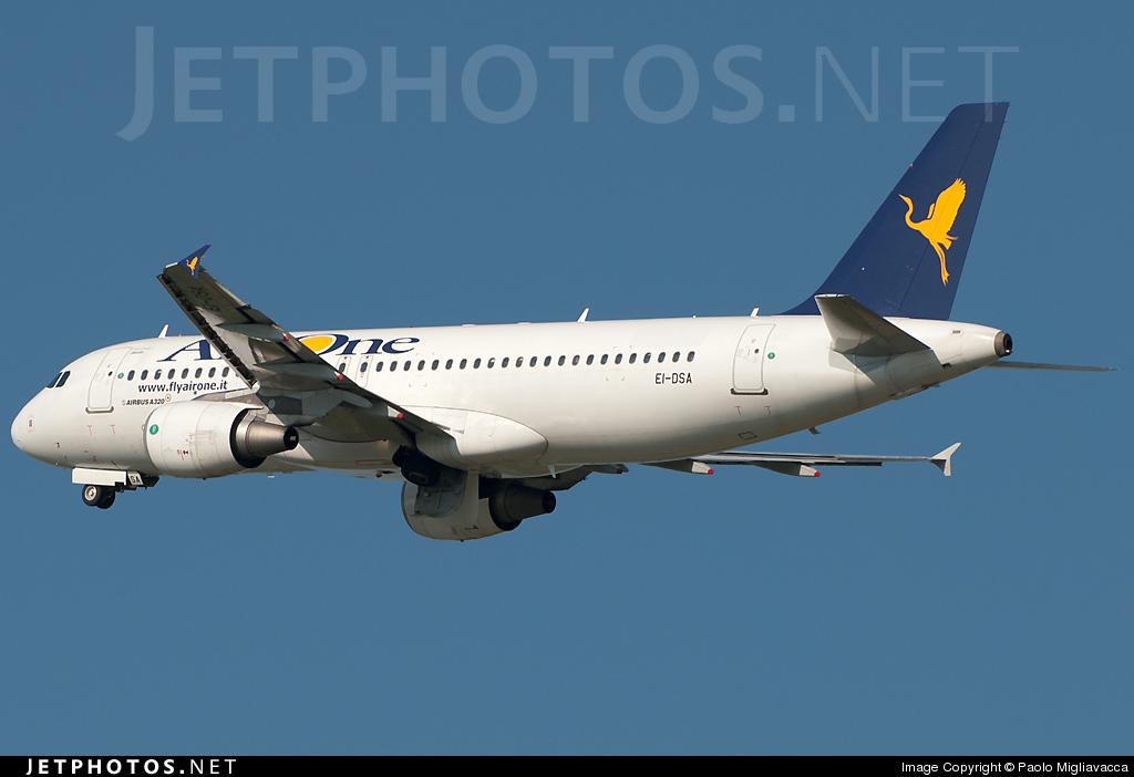 EI-DSA - Airbus A320-216 - Air One