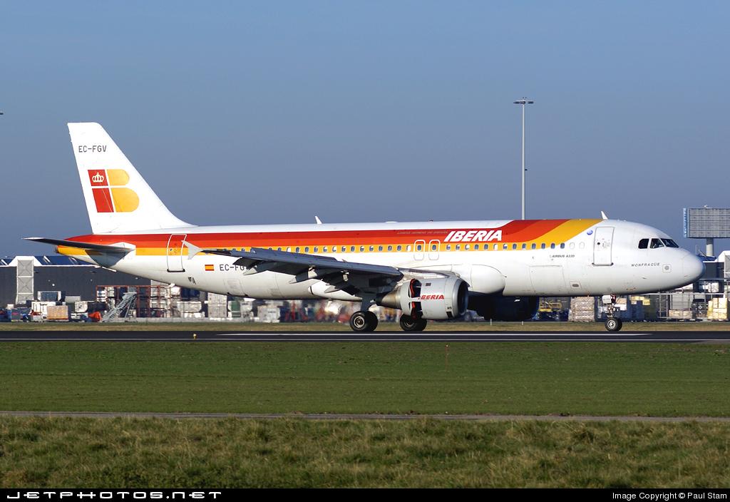 EC-FGV - Airbus A320-211 - Iberia