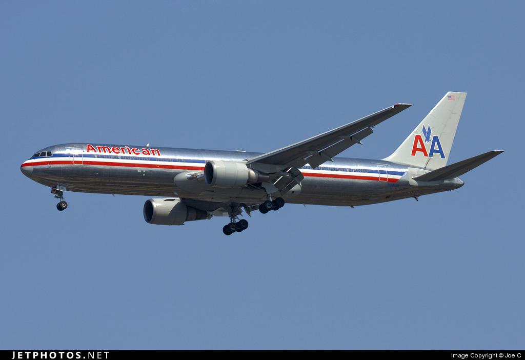 N381AN - Boeing 767-323(ER) - American Airlines