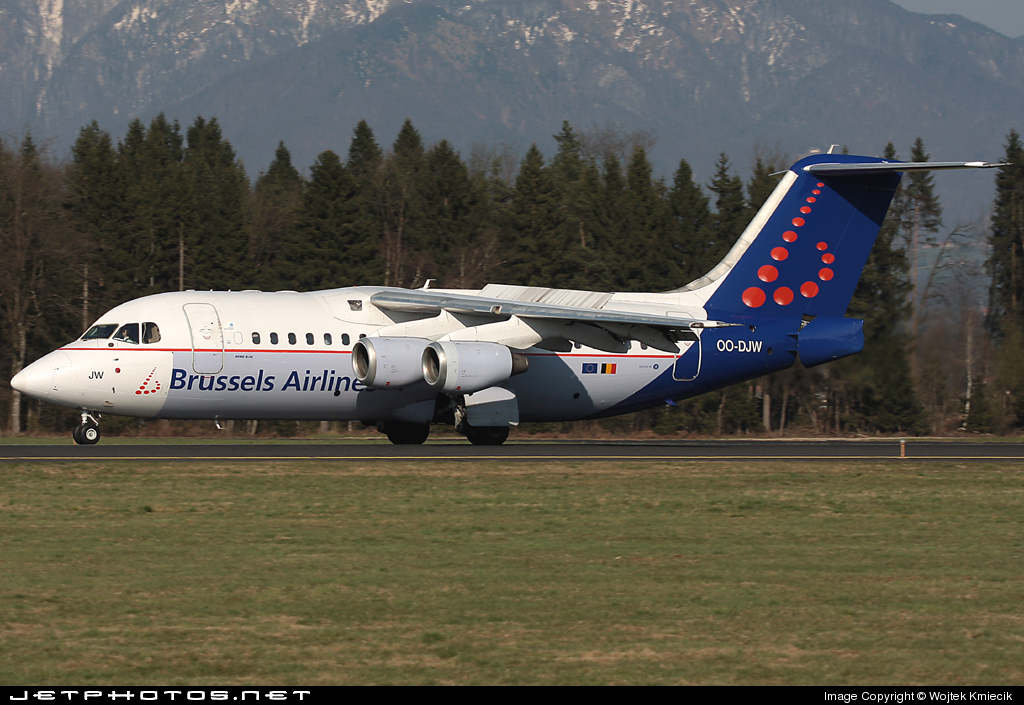 OO-DJW - British Aerospace Avro RJ85 - Brussels Airlines