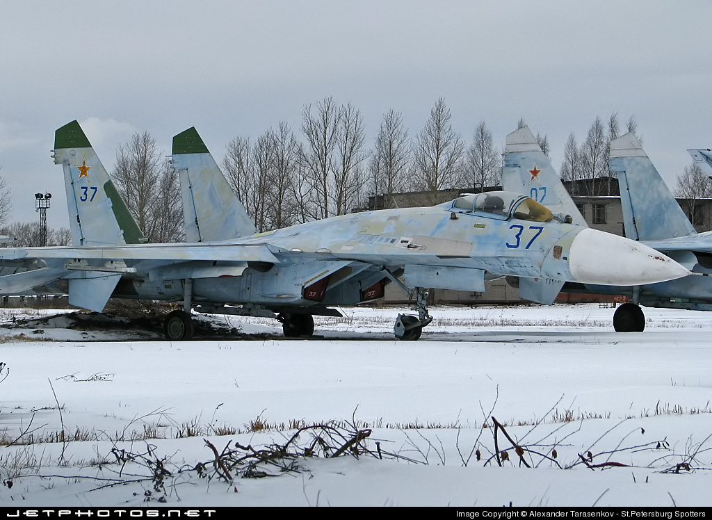 37 - Sukhoi Su-27 Flanker - Russia - Air Force