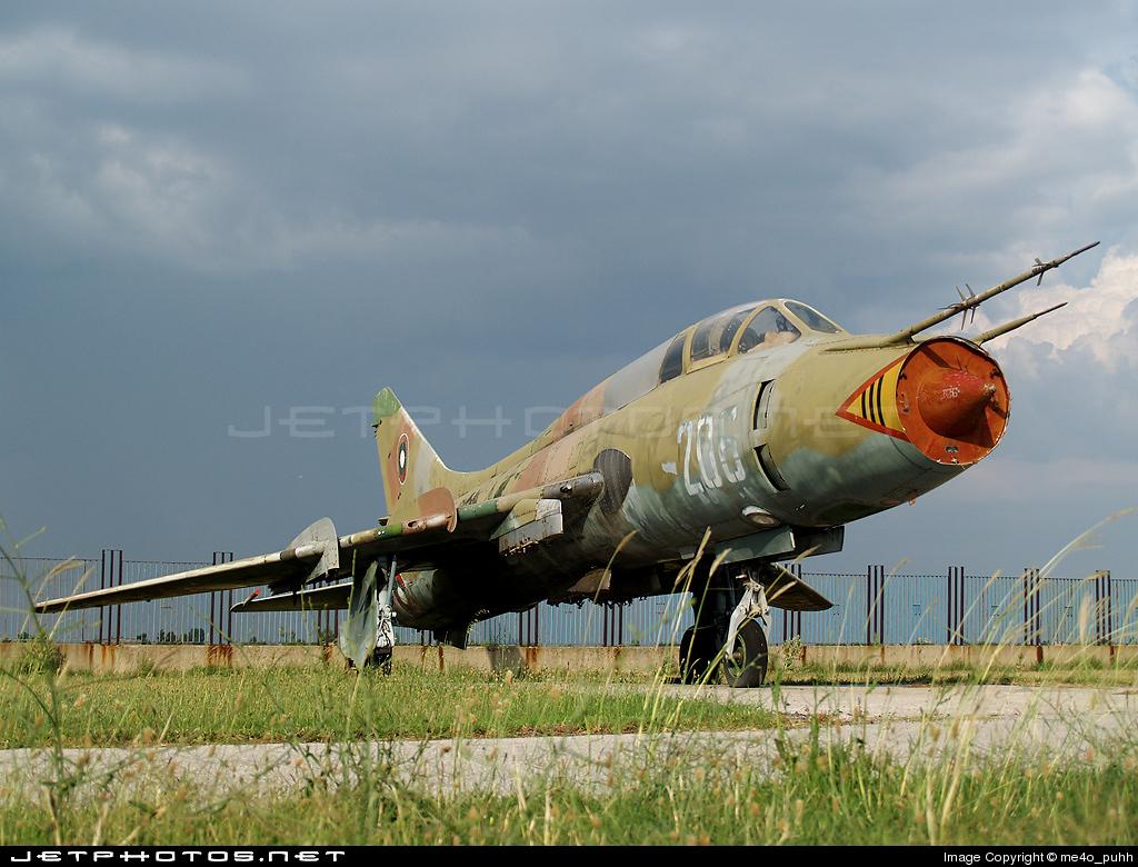 206 - Sukhoi Su-22UM Fitter - Bulgaria - Air Force