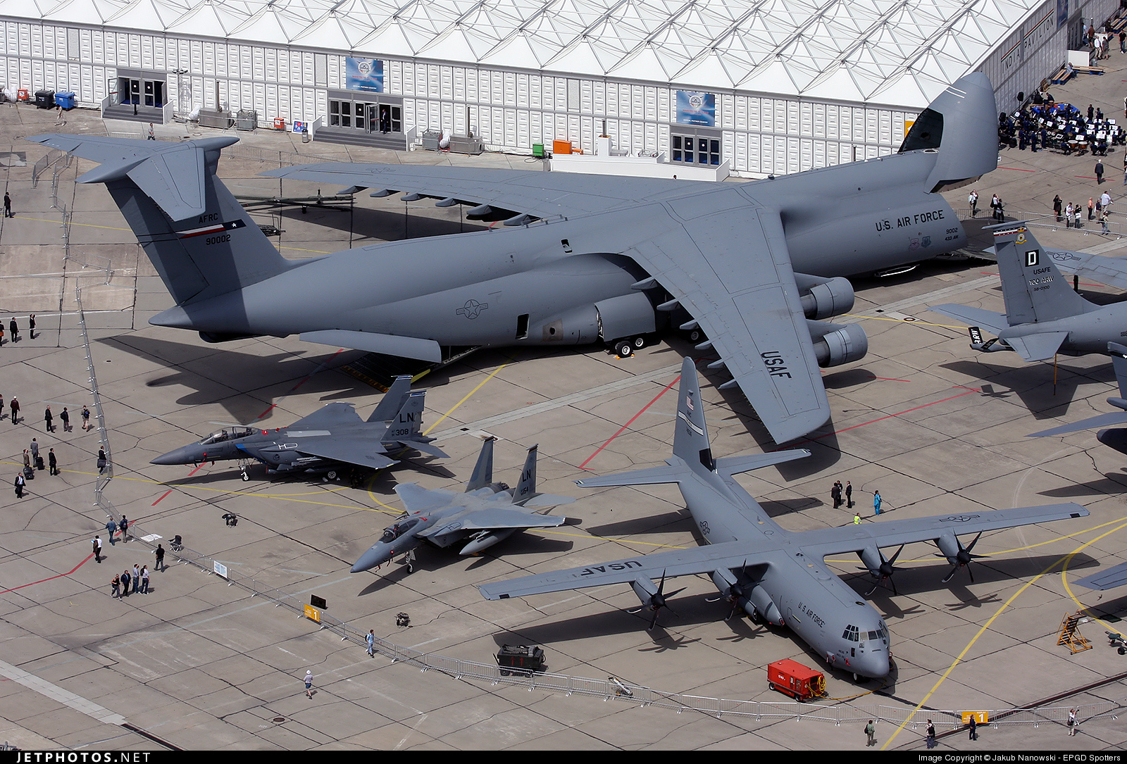69-0002 - Lockheed C-5A Galaxy - United States - US Air Force (USAF)