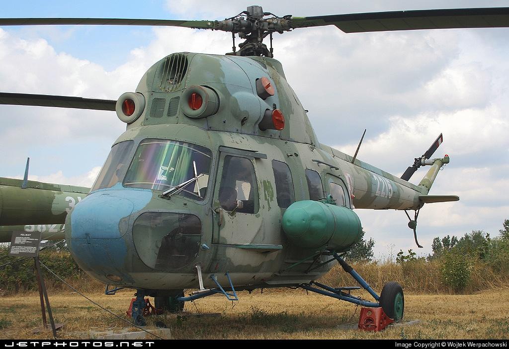 2215 - PZL-Swidnik Mi-2 Hoplite - Poland - Air Force