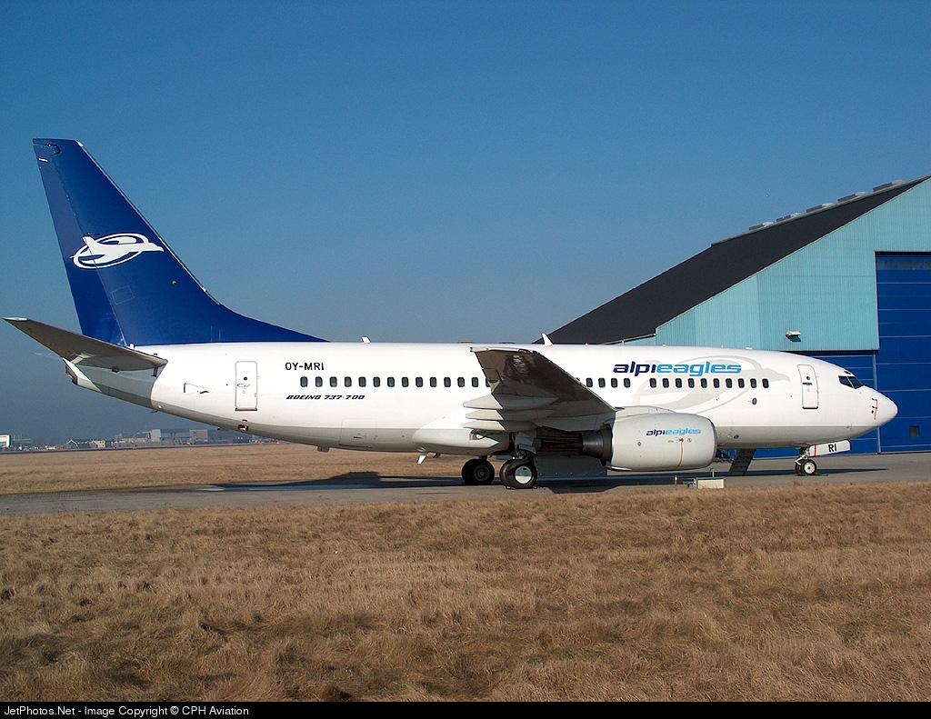 OY-MRI - Boeing 737-7L9 - Alpi Eagles