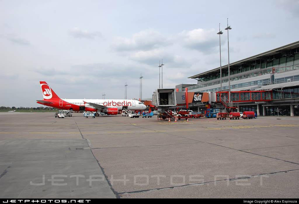EDDH - Airport - Ramp