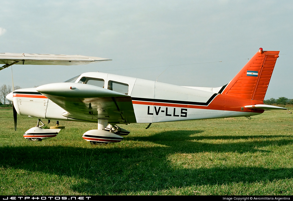 LV-LLS - Piper PA-28-140 Cherokee Cruiser - Private