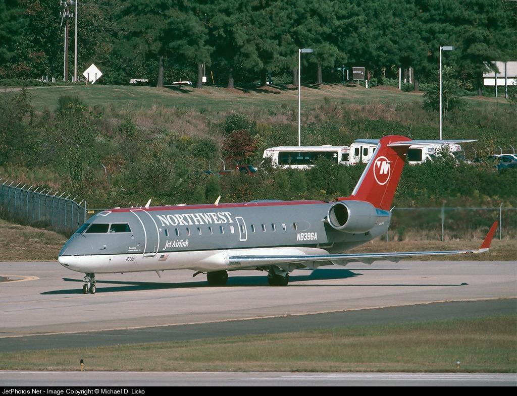 pinnacle airlines flight 3701 Pinnacle airlines 3701 accident case study  crash of pinnacle airlines flight 3701 bombardier cl-600-2b19, n8396a, jefferson city, missouri october 14, 2004.