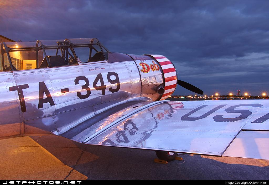 "Texan T-6 TA-349 ""Dazzlin' Deb"" - 1/32 [Terminé] 25987_1212549186"