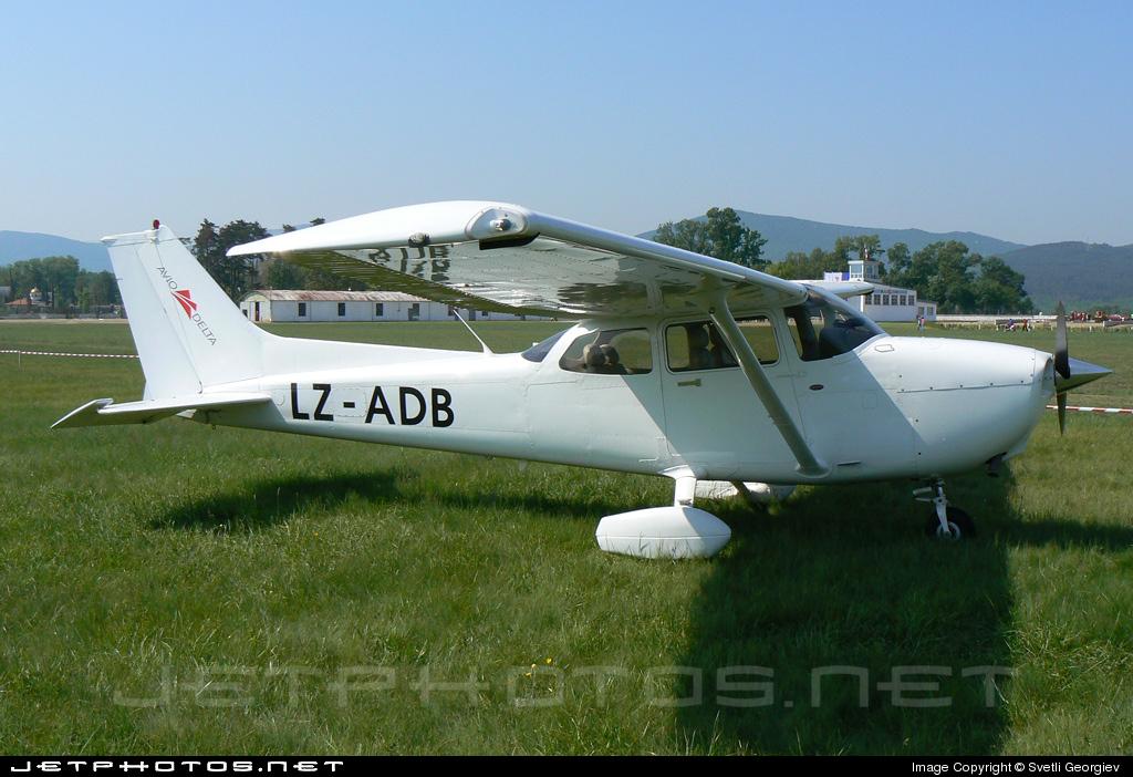 LZ-ADB - Cessna 172S Skyhawk SP - Aviodelta