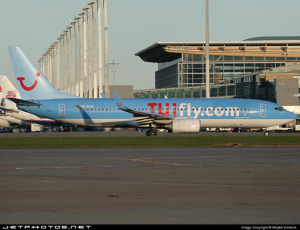 SE-DZV - Boeing 737-804 - TUIfly Nordic