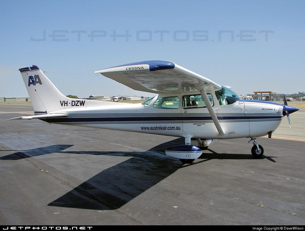 VH-DZW - Cessna 172N Skyhawk II - Private