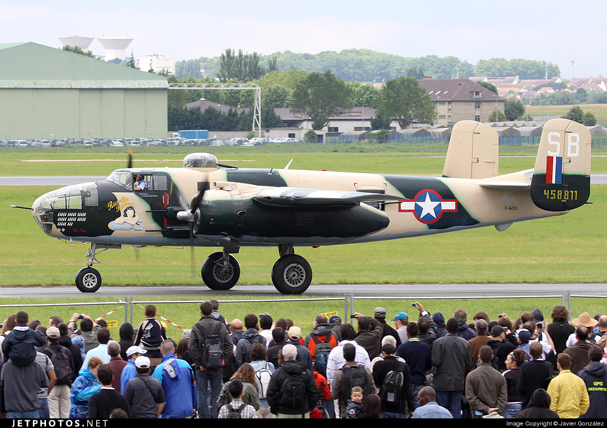 F-AZZU - North American B-25J Mitchell - Private