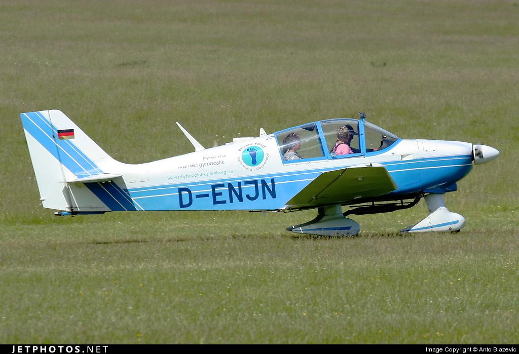 D-ENJN - Robin DR400/180R Remorqueur - Private