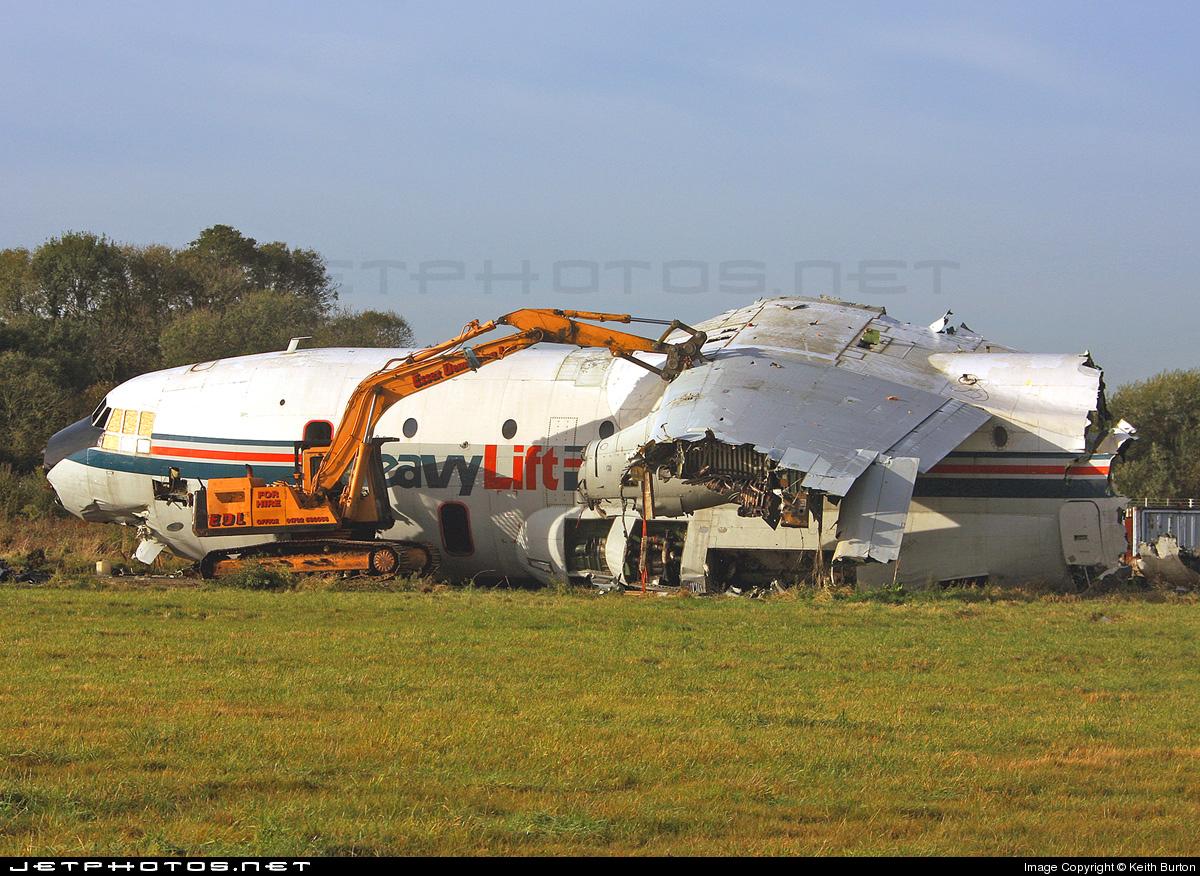 G-BEPS - Short SC-5 Belfast - HeavyLift Cargo Airlines