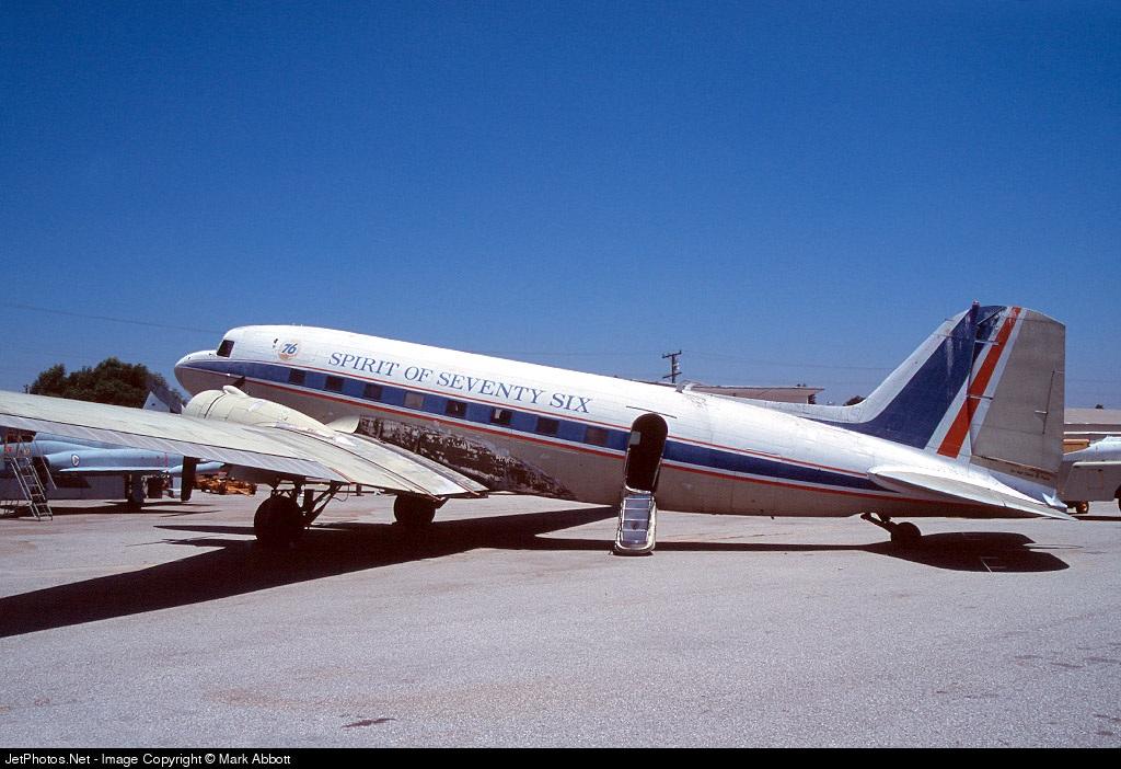 N760 - Douglas DC-3 - Western Aircraft Museum