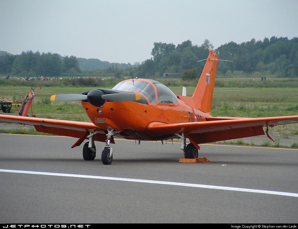 MM54525 - SIAI-Marchetti SF260AM - Italy - Air Force