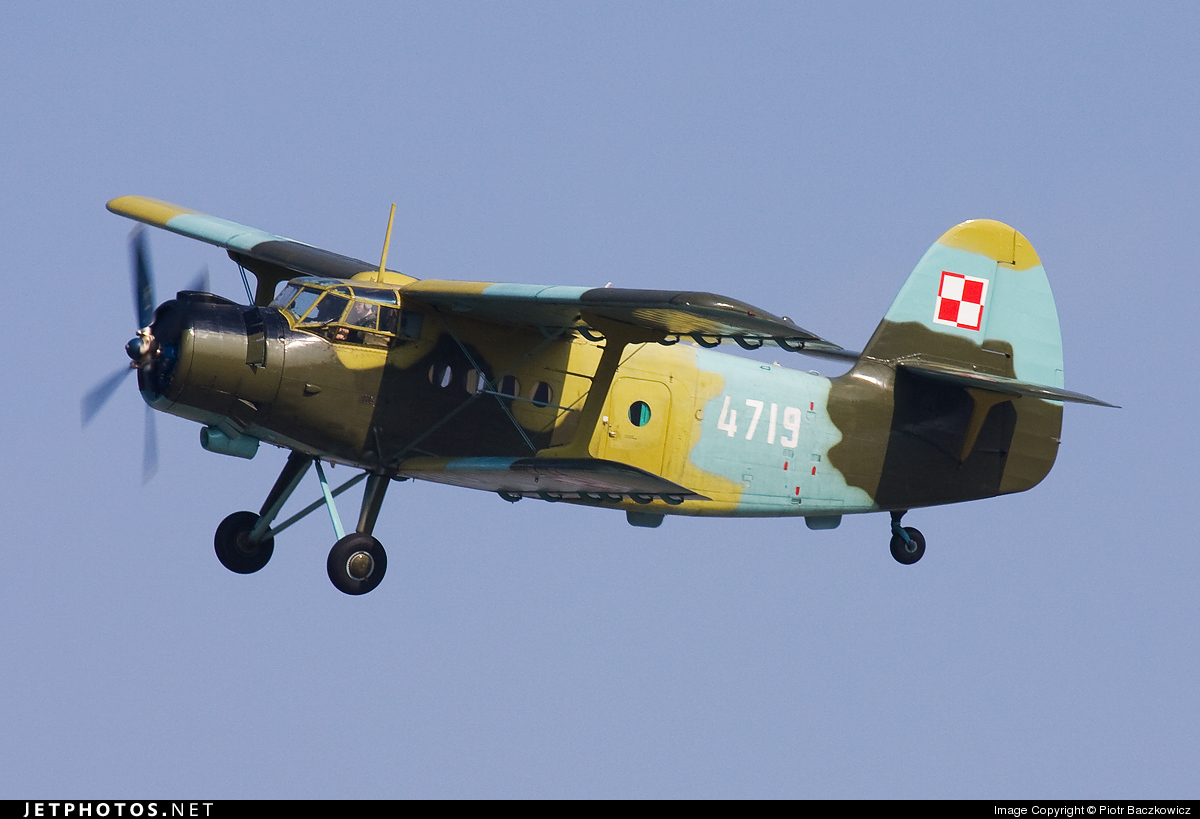 4719 - PZL-Mielec An-2T - Poland - Air Force