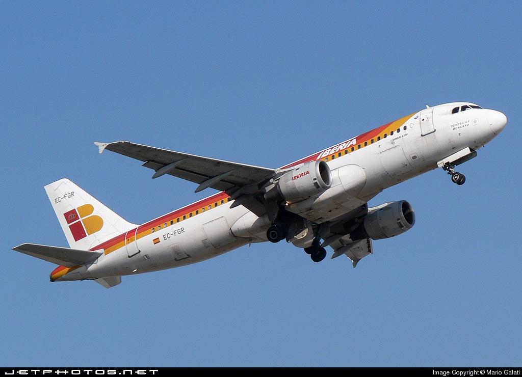 EC-FGR - Airbus A320-211 - Iberia