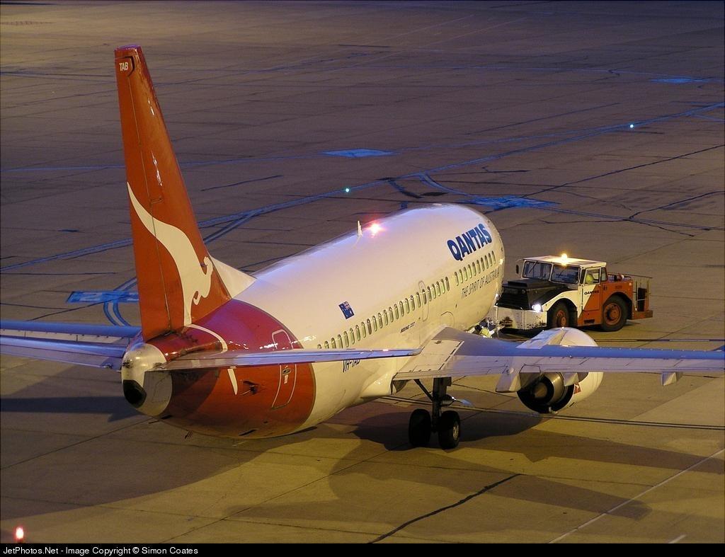 VH-TAB - Boeing 737-3Q8 - Qantas