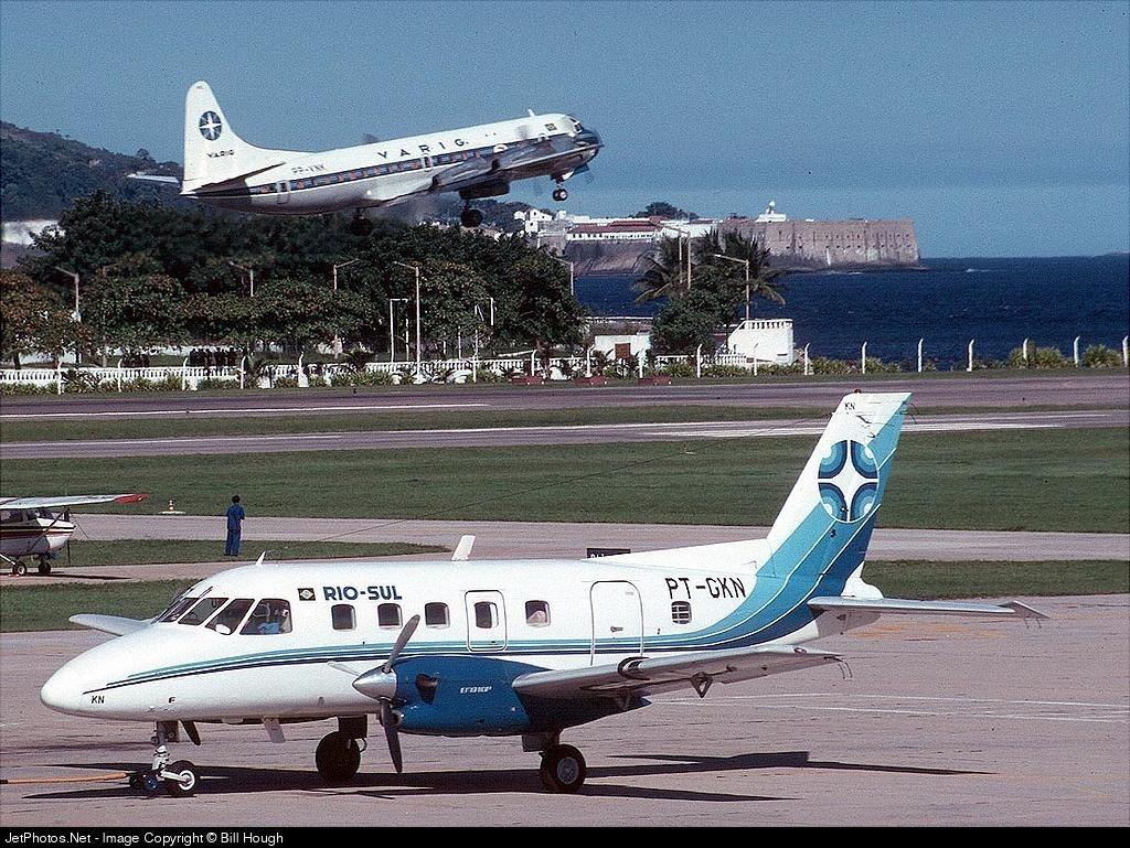 PT-GKN - Embraer EMB-110 Bandeirante - Rio-Sul