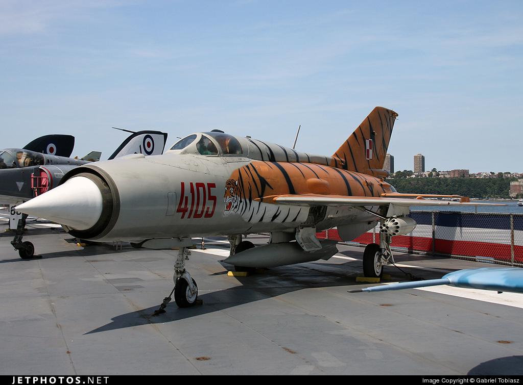 4105 - Mikoyan-Gurevich Mig-21PFM Fishbed - Poland - Air Force