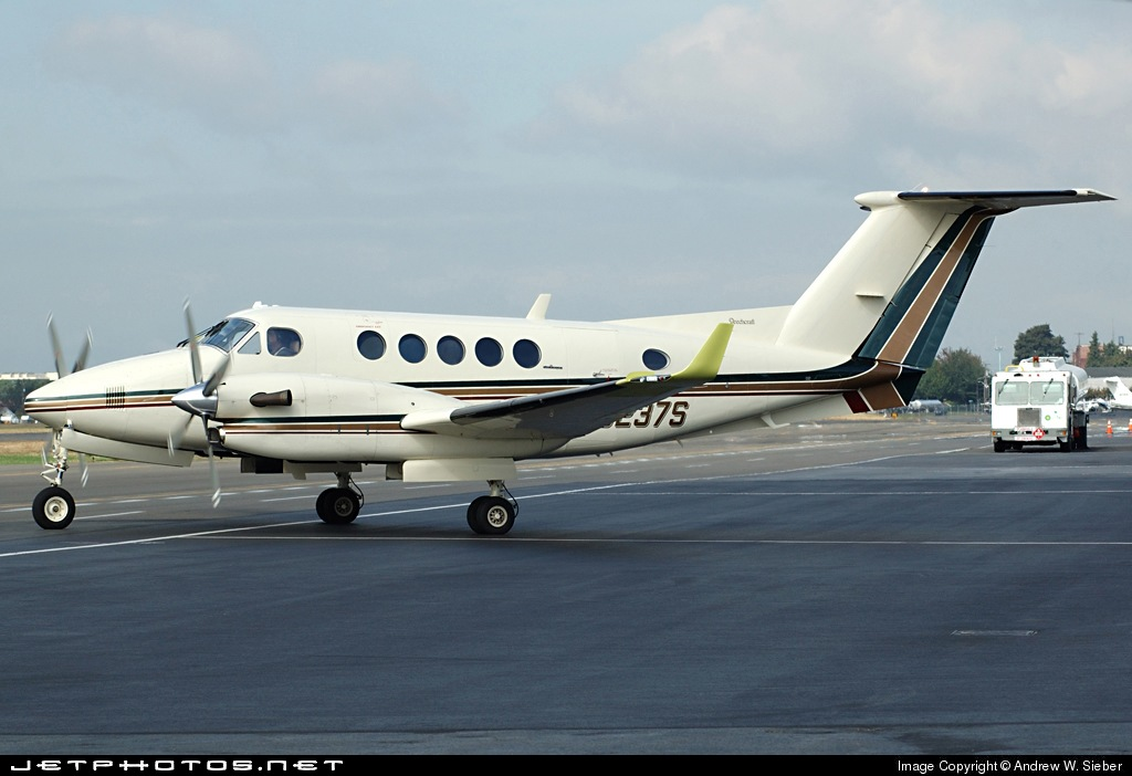 N3237S - Beechcraft B300 King Air - Private