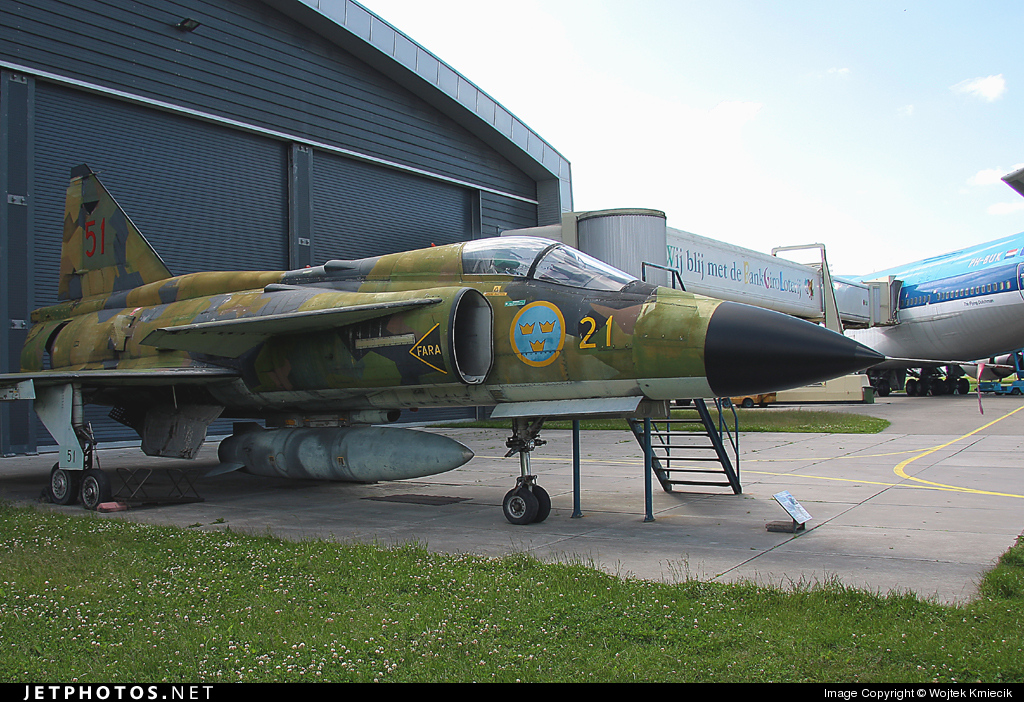 37901 - Saab AJSH37 Viggen - Sweden - Air Force