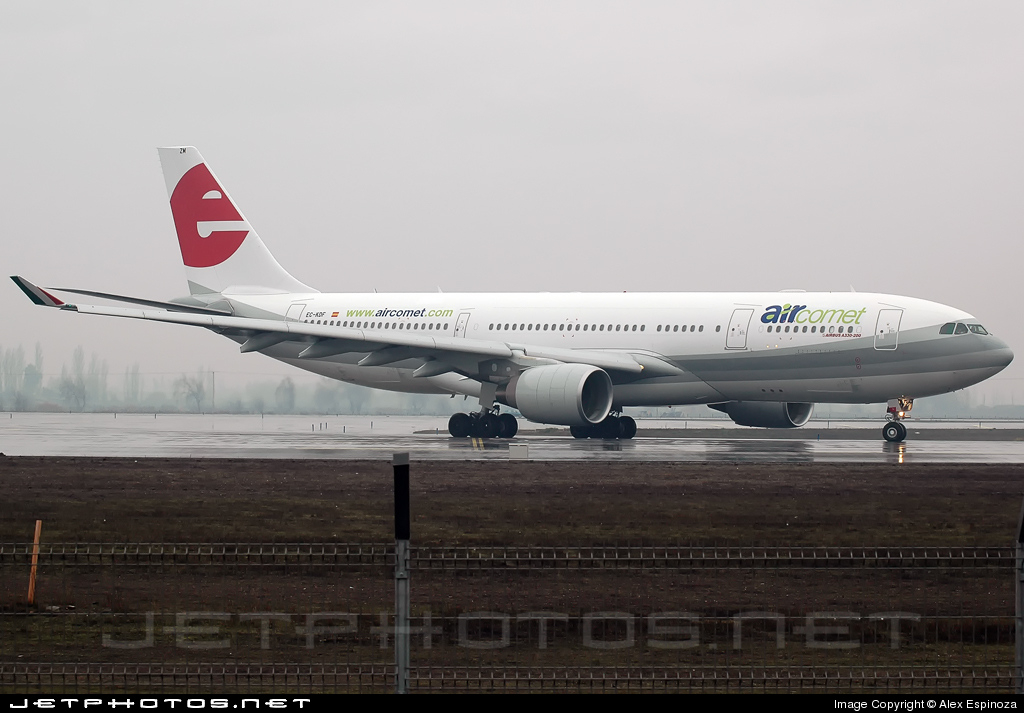 EC-KDF - Airbus A330-223 - Air Comet