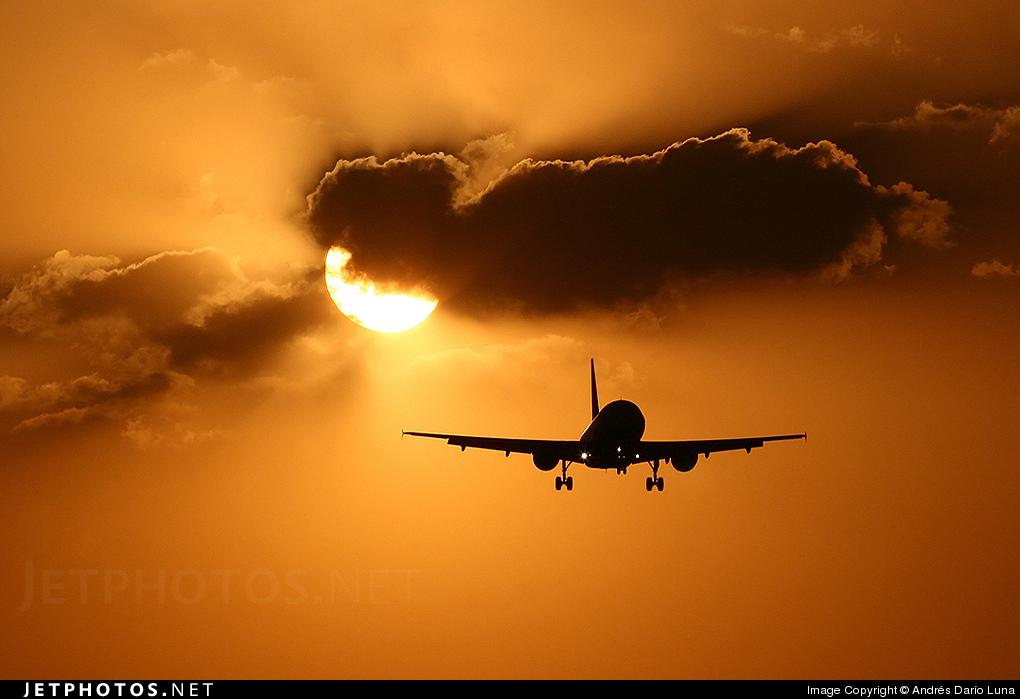 - Airbus A320-231 - Mexicana