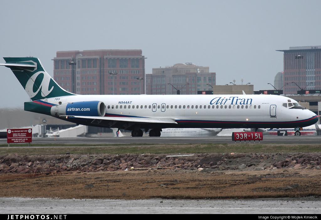 N944AT - Boeing 717-2BD - airTran Airways