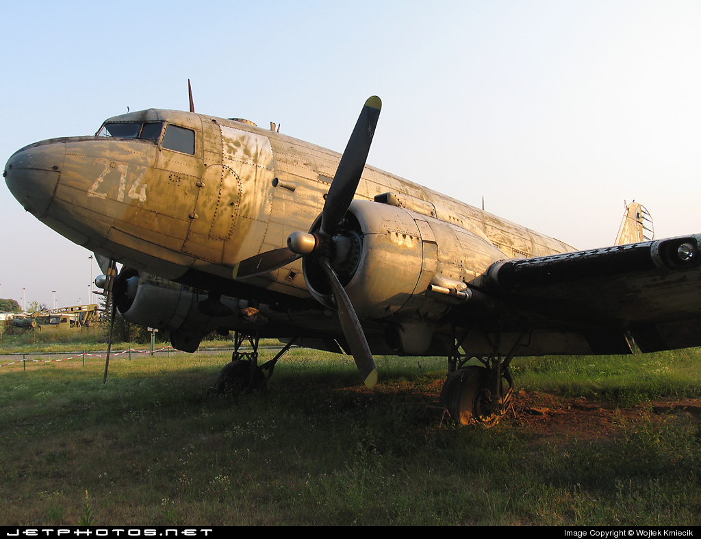 71214 - Douglas C-47B Skytrain - Yugoslavia - Air Force