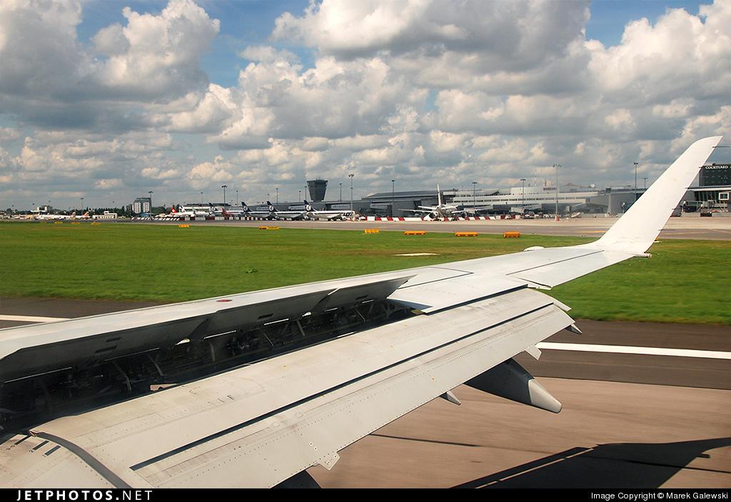 SP-LIF - Embraer 170-200LR - LOT Polish Airlines