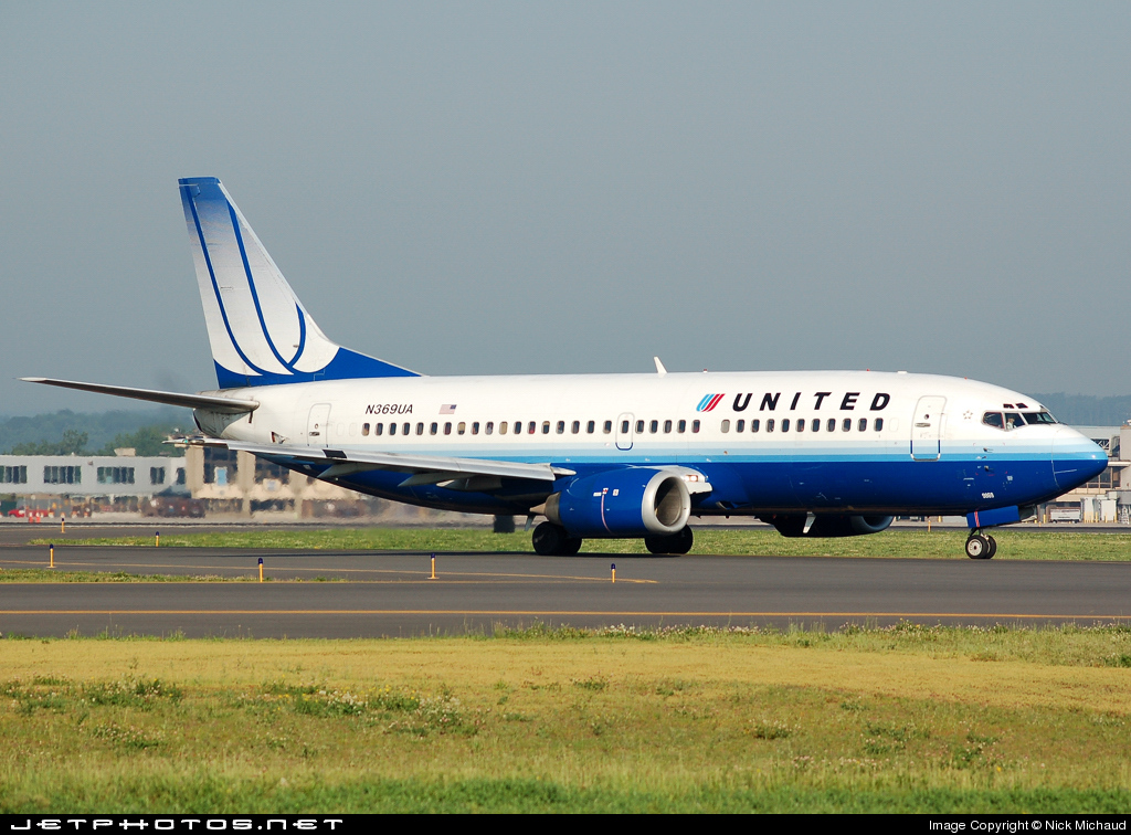 N369UA - Boeing 737-322 - United Airlines