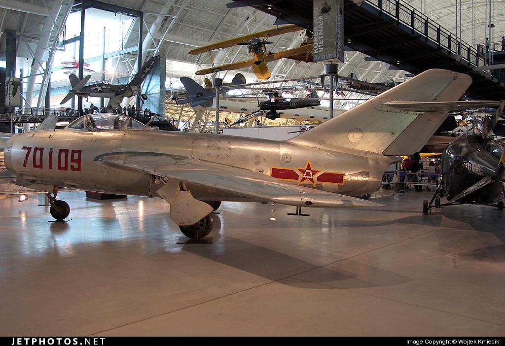 70109 - Mikoyan-Gurevich Mig-15 Fagot - China - Air Force