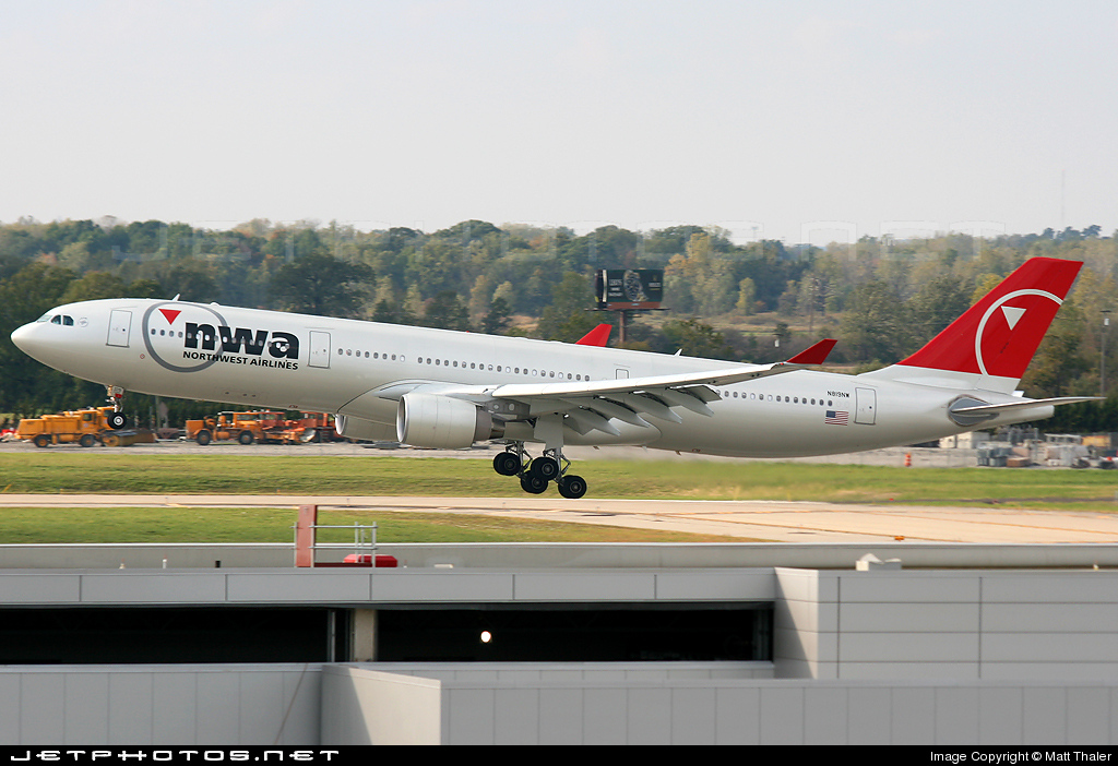 N819NW - Airbus A330-323 - Northwest Airlines