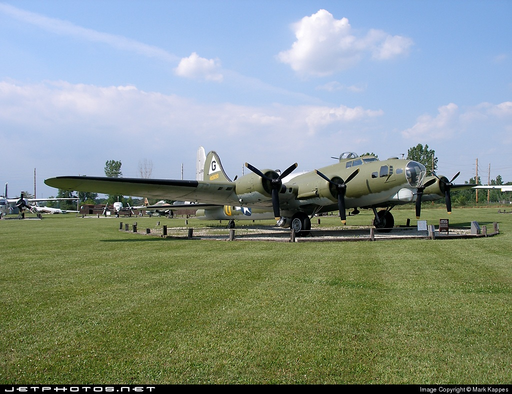 48-3690 - Boeing B-17G Flying Fortress - United States - US Army Air Force (USAAF)