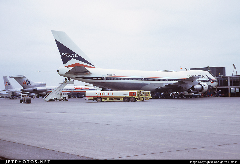 N9896 - Boeing 747-132 - Delta Air Lines