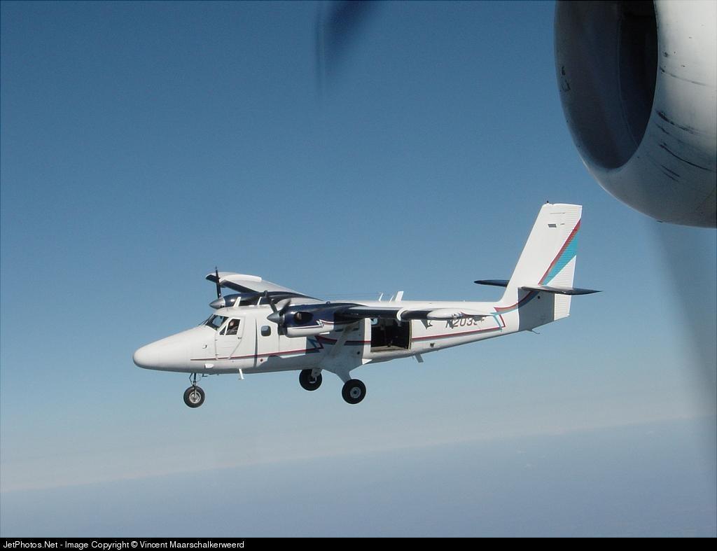 N202SF - De Havilland Canada DHC-6-300 Twin Otter - Private