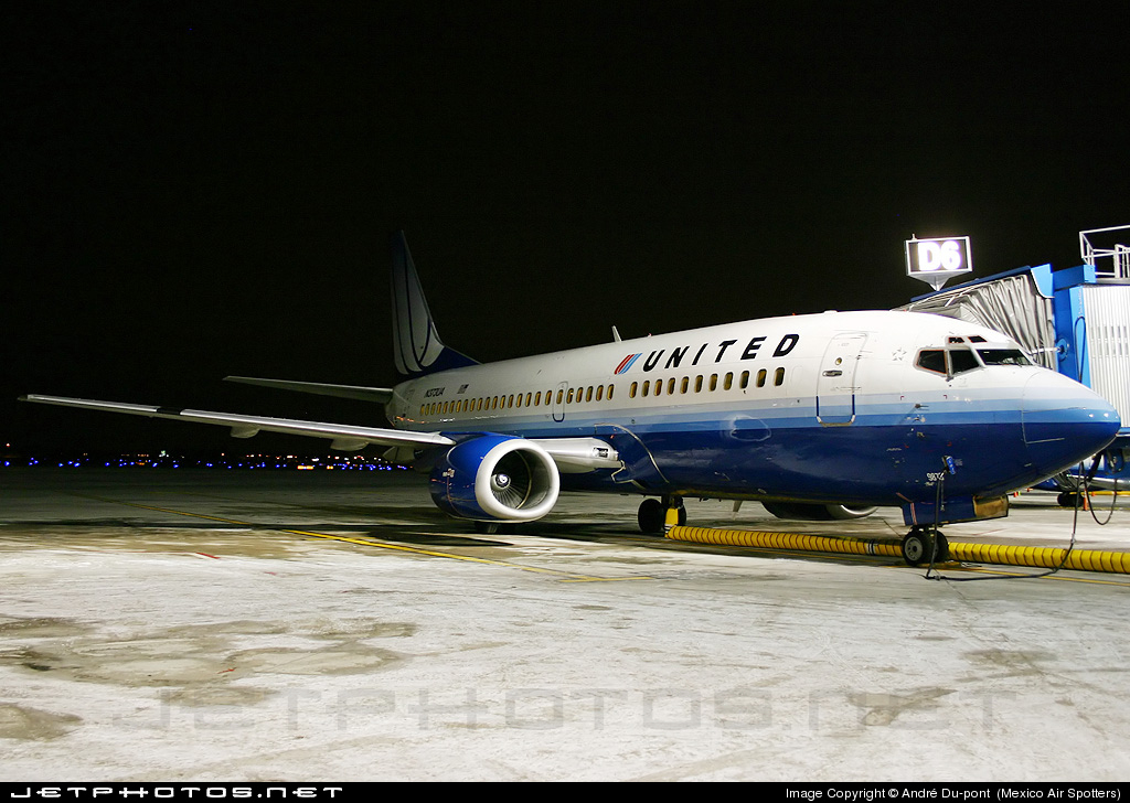 N373UA - Boeing 737-322 - United Airlines